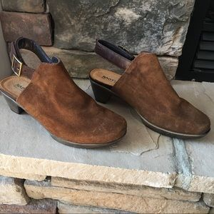 NEW NAOT Upgrade Suede Clog in Seal Brown Suede